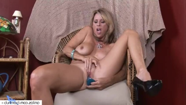 Milf was alone for too long, so she masturbates pussy with dildo
