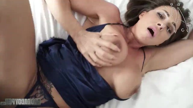 Mom Aubrey Black was seduced by the dick of her stepson and arranged crazy sex