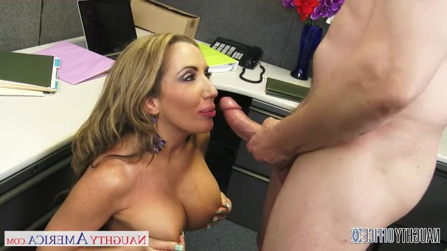 Guy fucks the mature milf in her pussy right at the work place