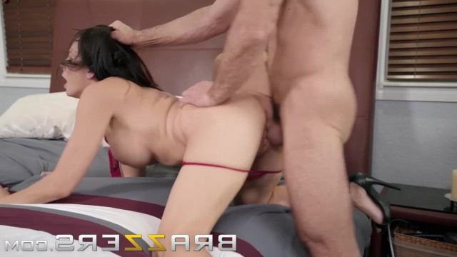 Nude mature beauty Reagan Foxx had seen many dicks and rode the man