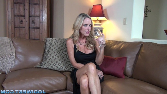 Pretty blonde milf Jodi West drank champagne and gave herself to the guy