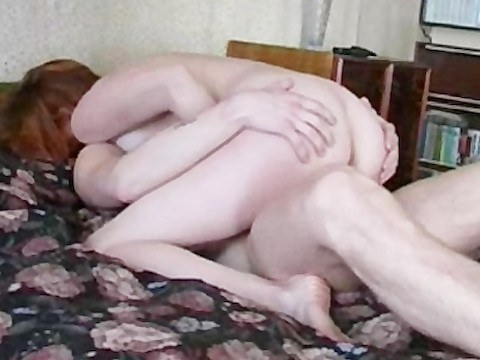 Russian guy did cunni mature redhead girl and pulled her pussy on the dick