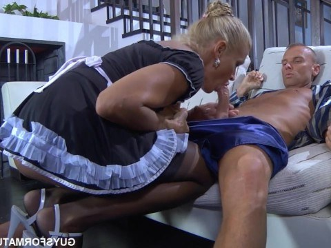 Russian milf mature housekeeper works good and the owner fucks her in the ass