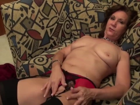 Sex desire brings mature lady astray and she desperately proceeds with the gilf solo