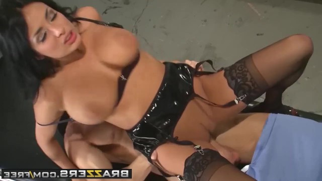 Sexy milf Anissa Kate in gorgeous lingerie gave the patient an erotic torture