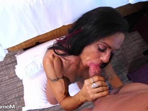 Sporty skinny MILF practices anal sex at the casting and tries to become famous