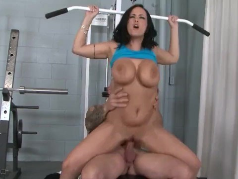 The coach decided to teach sexy busty milf to fuck great and get strong orgasms