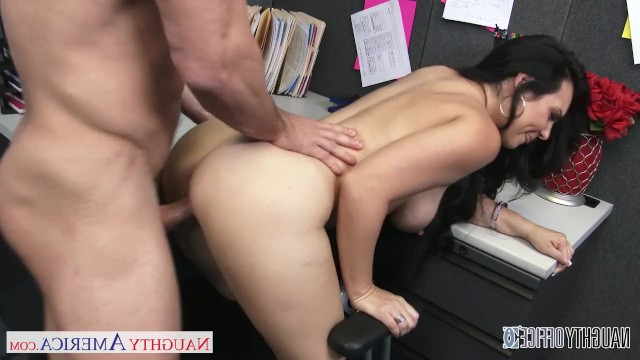 The guy distracted from work in the office with help of the sweet pussy of a hot milf