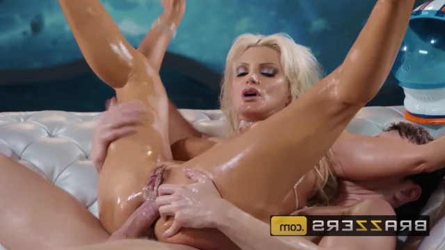The guy hired the luxurious mature stripper Brittany Andrews for anal fucking