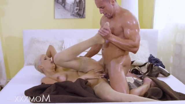 Young blonde milf feels so good from hard sex that she agrees even on the cum inside